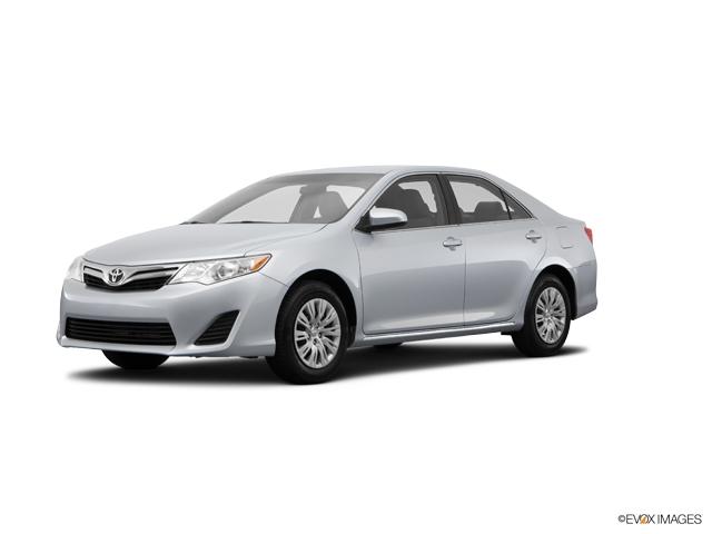 2014 Toyota Camry LE Sedan Merriam KS