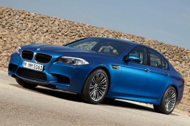 2013 BMW M5 4DR SDN Sedan Slide