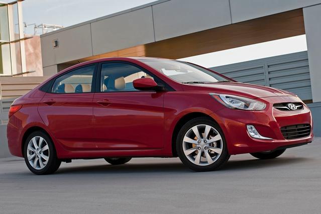 2012 Hyundai Accent GS Hatchback Slide 0