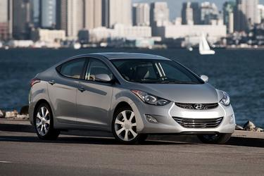 2013 Hyundai Elantra LIMITED 4dr Car Slide