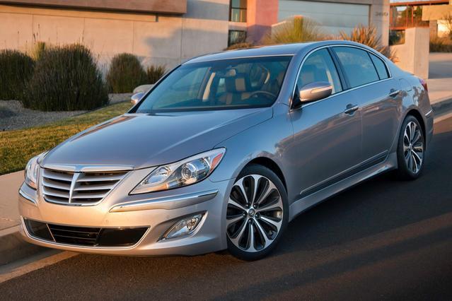 2013 Hyundai Genesis 3.8L 4dr Car Slide 0