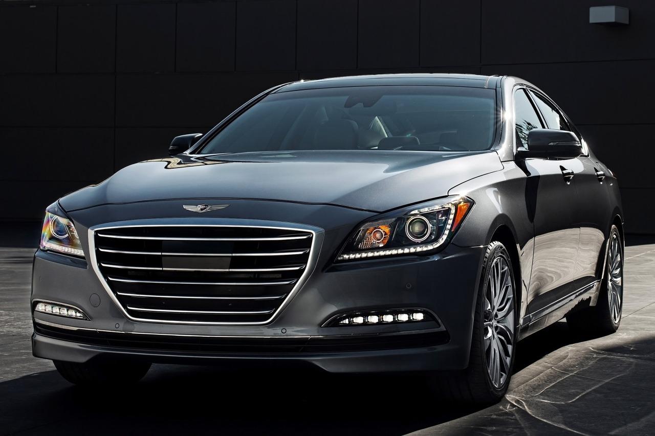 2015 Hyundai Genesis 3.8L 4dr Car Slide 0