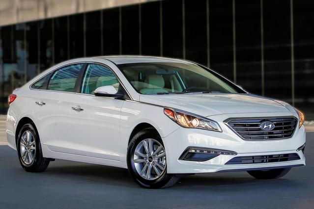 2016 Hyundai Sonata LIMITED 4dr Car Slide 0
