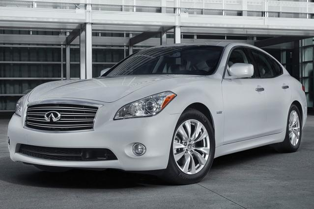 2013 INFINITI M37 X 4dr Car Slide 0