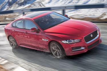 2017 Jaguar XE 35T PRESTIGE Sedan Slide