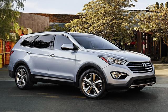 2015 Hyundai Santa Fe LIMITED 4D Sport Utility Slide 0