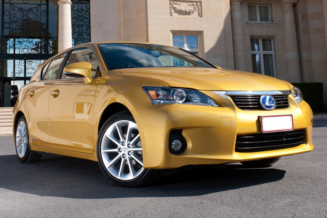 2013 Lexus Ct 200H HYBRID Hatchback Slide 0