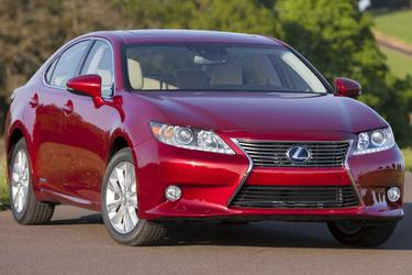 2015 Lexus ES 300h HYBRID Sedan Slide