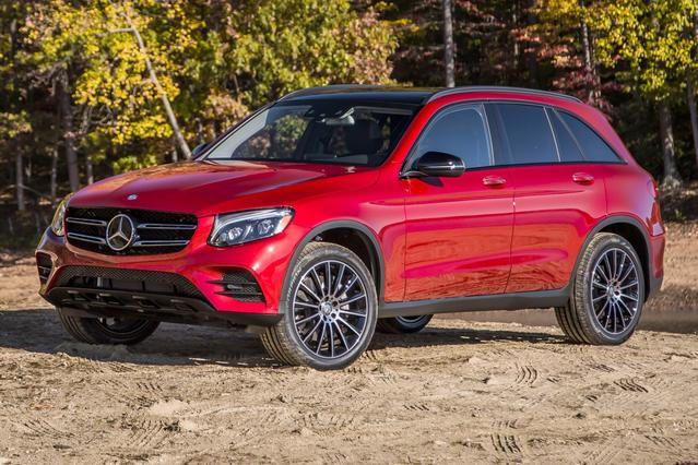 2016 Mercedes-Benz GLC GLC 300 Slide 0