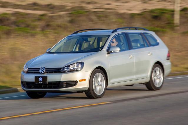 2014 Volkswagen Jetta SportWagen 2.0L TDI Slide 0