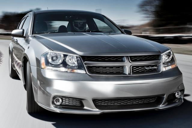 2014 Dodge Avenger SE 4dr Car Slide 0