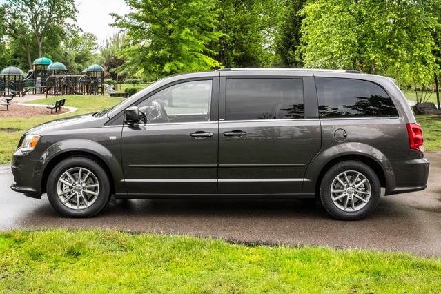 2014 Dodge Grand Caravan SXT Mini-van, Passenger Hillsborough NC