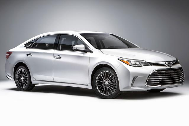 2016 Toyota Avalon TOURING Slide 0