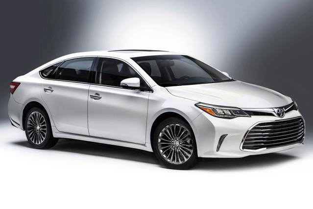 2016 Toyota Avalon Hybrid XLE PREMIUM 4dr Car Slide 0