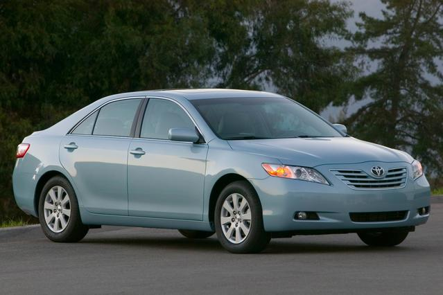 2007 Toyota Camry LE Slide 0