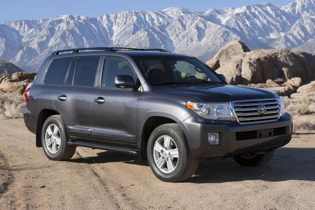2014 Toyota Land Cruiser VX Slide 0