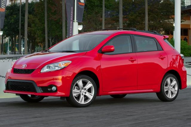 2013 Toyota Matrix S Station Wagon Slide 0