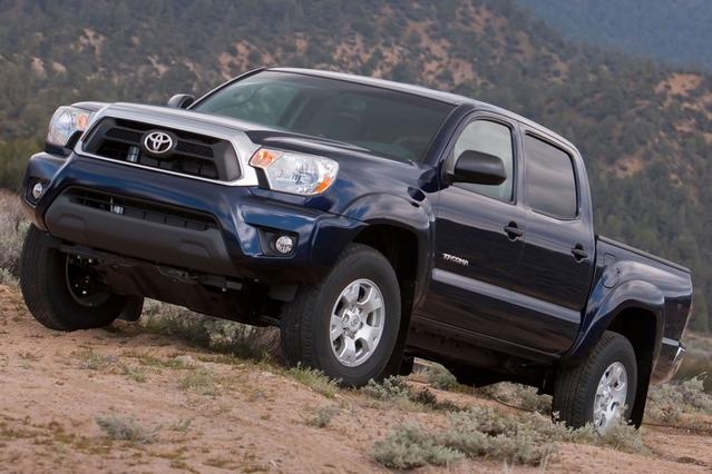 2012 Toyota Tacoma 4WD DOUBLE CAB V6 AT (NATL) Short Bed Slide 0