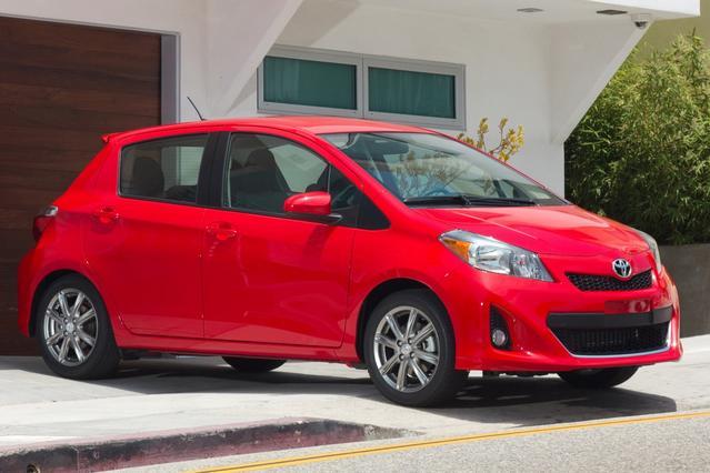 2013 Toyota Yaris LE Hatchback Slide 0