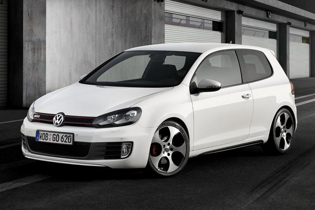 2013 Volkswagen GTI BASE Hatchback Slide 0