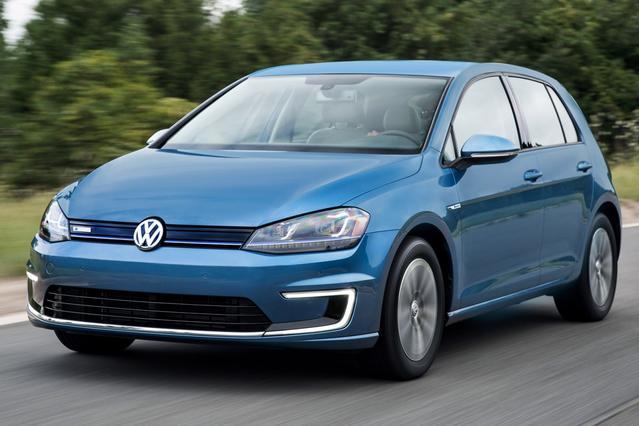 2015 Volkswagen e-Golf SEL PREMIUM Hatchback Slide 0