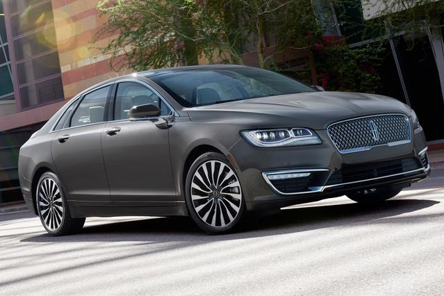 2017 Lincoln MKZ RESERVE 4dr Car Slide 0