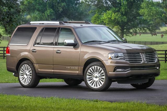 2016 Lincoln Navigator SELECT Slide 0