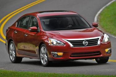 2014 Nissan Altima 2.5 S Sedan Slide