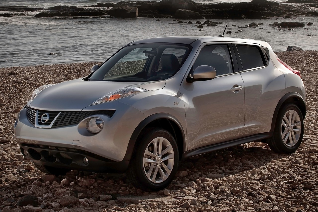 2014 Nissan JUKE S AWD S 4dr Crossover Red Bank NJ
