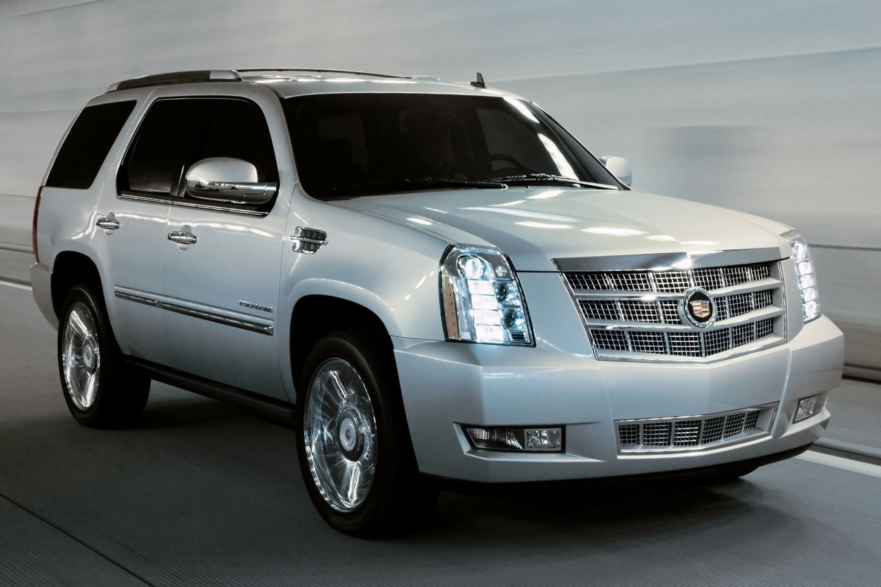 2013 Cadillac Escalade LUXURY Slide 0