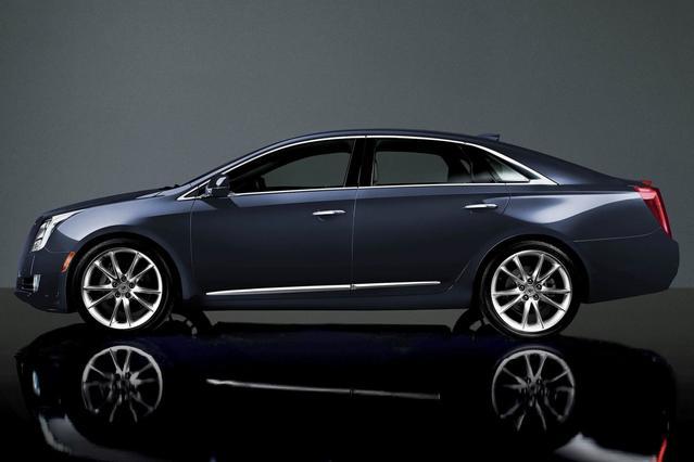 2016 Cadillac XTS PREMIUM 4dr Car Slide 0