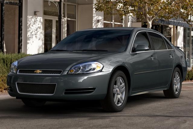 2013 Chevrolet Impala LT 4dr Car Slide 0