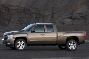 "2007 Chevrolet Silverado 1500 2WD REG CAB 119.0"" LT W/1LT Clinton NC"