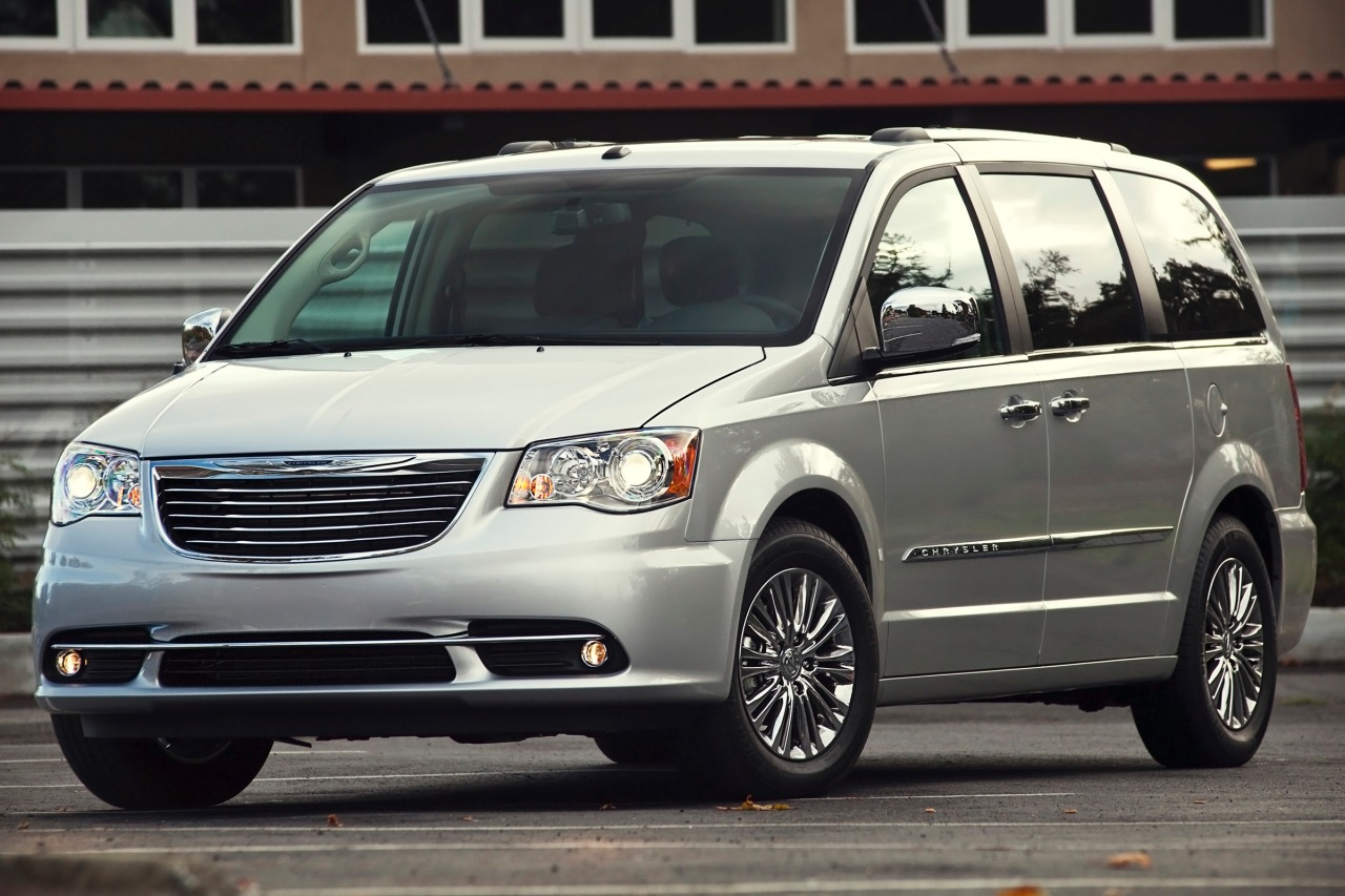 2013 Chrysler Town & Country TOURING Mini-van, Passenger Slide 0