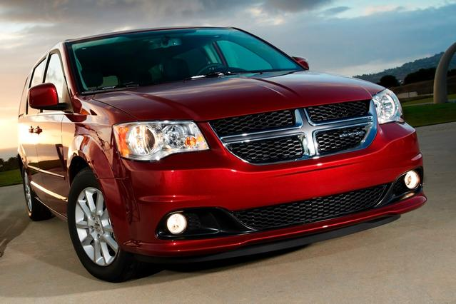 2013 Dodge Grand Caravan SXT Minivan Slide 0