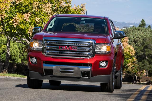 2015 GMC Canyon 4WD SLE Pickup Slide 0