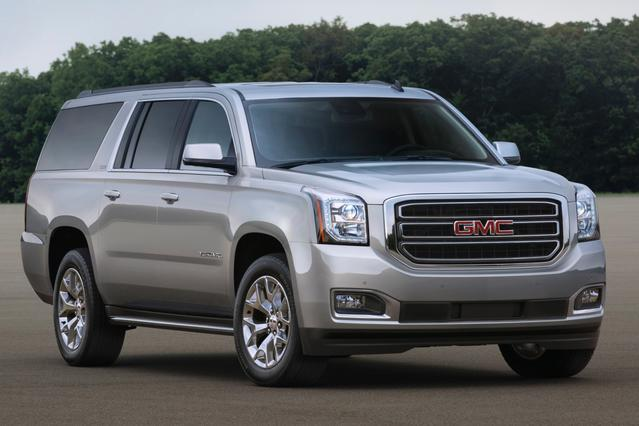 2016 GMC Yukon XL DENALI Slide 0