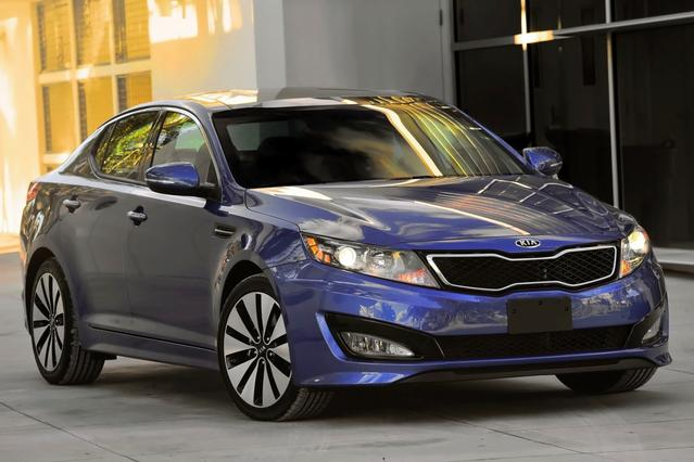 2013 Kia Optima Hybrid EX 4dr Car Slide 0