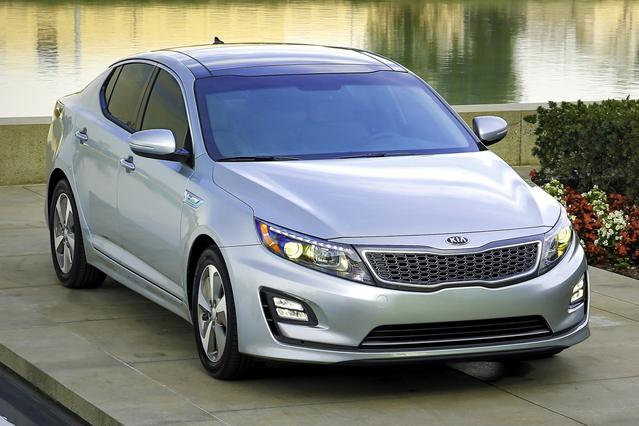 2015 Kia Optima Hybrid EX Slide 0