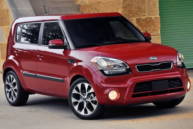 2012 Kia Soul PLUS Hatchback Slide 0