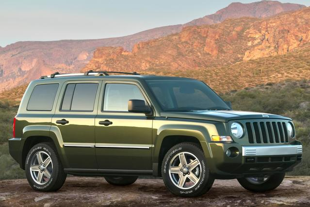 2010 Jeep Patriot LIMITED SUV Slide 0