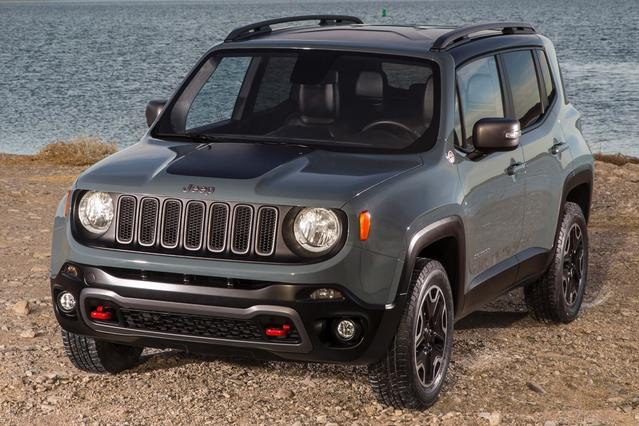 2015 Jeep Renegade LATITUDE SUV Slide 0