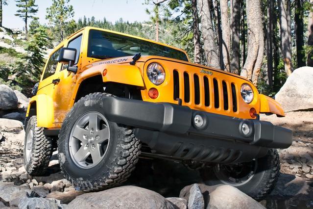 2013 Jeep Wrangler RUBICON Convertible Slide 0