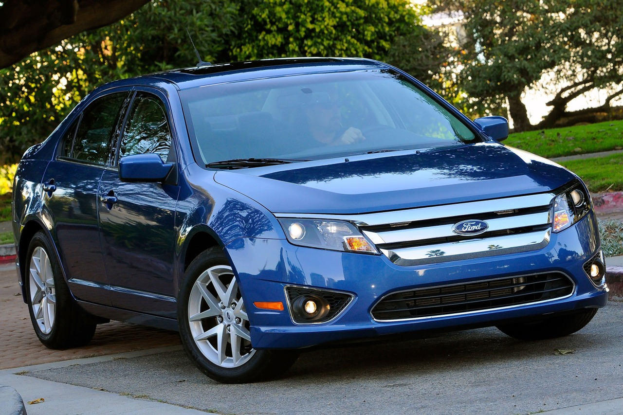 2010 Ford Fusion SE 4dr Car Slide 0