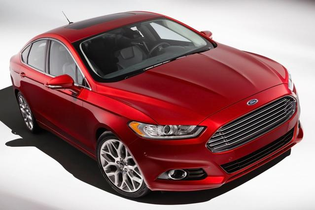 2013 Ford Fusion TITANIUM 4dr Car Slide 0