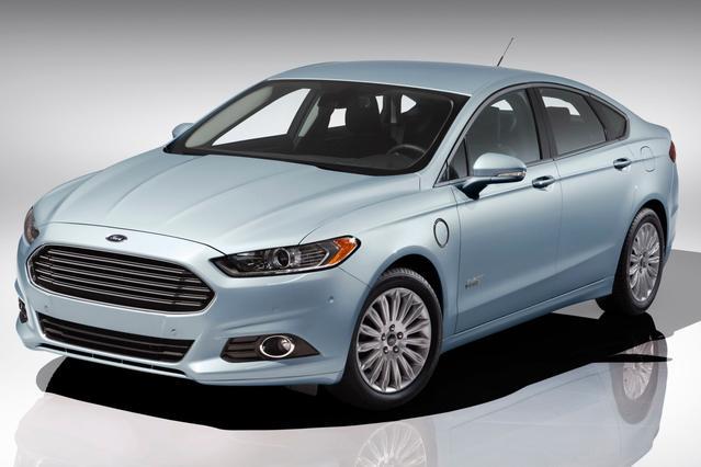 2014 Ford Fusion Energi TITANIUM 4dr Car Slide 0