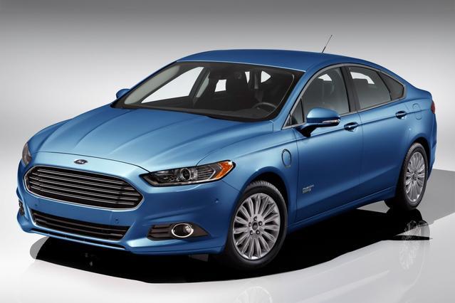 2016 Ford Fusion Energi TITANIUM 4dr Car Slide 0