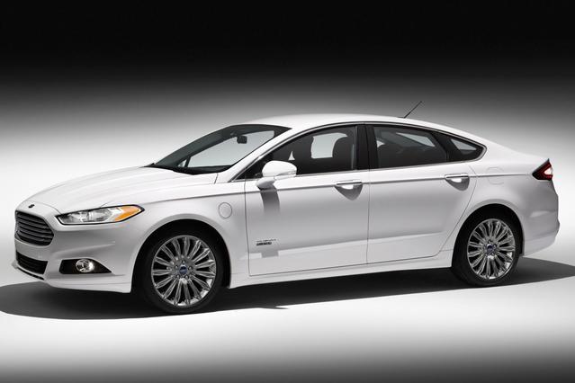 2017 Ford Fusion Energi PLATINUM 4dr Car Hillsborough NC