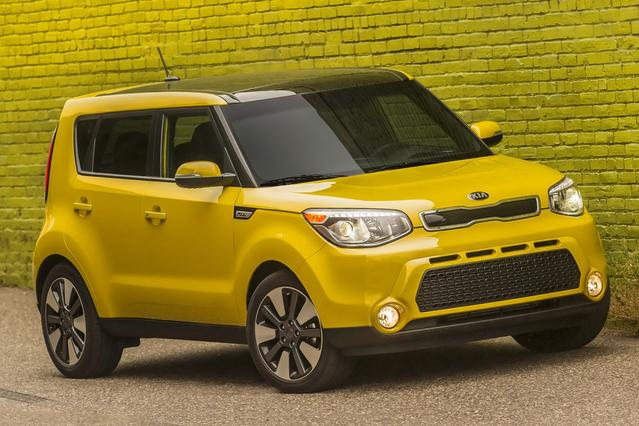 2016 Kia Soul ! Hatchback Slide 0