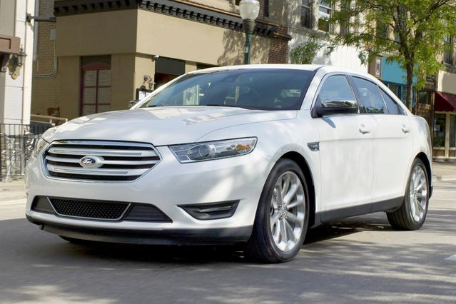 2016 Ford Taurus SEL 4dr Car Slide 0